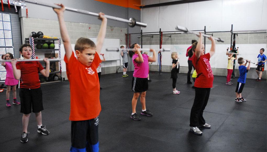 El entrenamiento de fuerza, ¿es beneficioso para los niños que juegan al pádel?